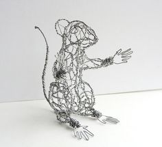 Twisting Wire to Create Cute Animal Sculptures by Ruth Jensen