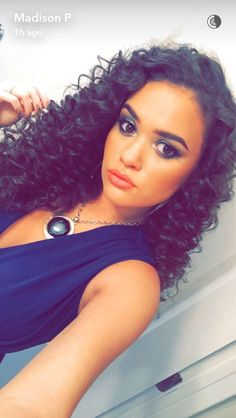 Madison Pettis (@madisonpettis) | Twitter Curly Hair Cuts, Curly Hair Styles, Curly Girl, Cut And Style, Naturally Curly, Beautiful Life, Beautiful Women, Hair Clips, Curls