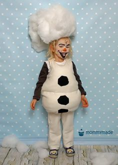 Do you wanna build a snowman? Halloween Karneval, Childrens Christmas, Build A Snowman, Christmas Costumes, Winter Holidays, Harajuku, Overalls, Building, People