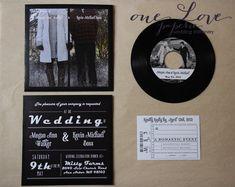 Personnalisé en 7 vinyl record mariage par OneLovePaperie sur Etsy