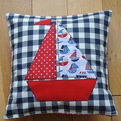 Artículos similares a Nautical Shabby Chic Style Applique Boat Cushion Cover Children/Boy's/Home en Etsy