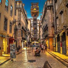 @lifestyle.pt  @goncalo_capitao ・・・ Elevador de Santa Justa #super_lisboa #lisboalive #lisboalovers #lisboastreet #lisboa #lisbon #portugal
