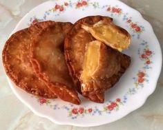 Empanadillas de Natillas de Caramelo Empanadas, Creamed Honey, Doughnut Cake, Ice Cream Cookies, Comida Latina, Mexican Cooking, Latin Food, Tex Mex, Just Desserts