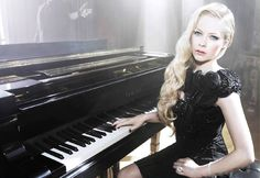 Avril Lavigne - 'Let Me Go' Feat. Chad Kroeger New Single Premiere! - http://Beats4LA.com/avril-lavigne-let-go-feat-chad-kroeger-single-premiere/