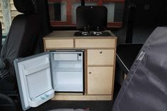 PULL OUT KITCHEN BED  | VW T5 - Work 'n' Play van conversion