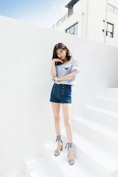 Suzy for Guess Super Fit 2018 Summer Cute Korean Girl, Asian Girl, Fashion Idol, Girl Fashion, Miss A Suzy, Bae Suzy, Korean Celebrities, Korean Actresses, Korean Actors