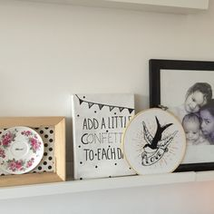 vintage style home decoration, recycle and upcycled plate with quote, wall decoration, colorfull, collage, vintage rose