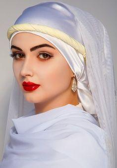 - White Arabic Beauty Muslim women hijab in arabic - Hijab Beautiful Muslim Women, Beautiful Girl Image, Beautiful Hijab, Beautiful Eyes, Gorgeous Women, Hijabi Girl, Girl Hijab, Beau Hijab, Idda Van Munster