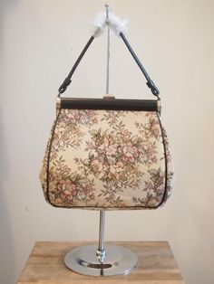 Come check out our gorgeous new vintage bags!