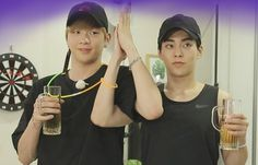 """EXO's Xiumin And Wanna One's Kang Daniel Bond In Stills For """"It's Dangerous Beyond The Blankets""""   Soompi Kang Daniel Produce 101, Types Of Boyfriends, Daniel K, Korean K Pop, Exo Xiumin, Bts And Exo, Exo Members, Pop Bands, How To Do Yoga"""