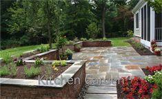 paver patio with raised beds - Google Search Patio Yard Ideas, Backyard Patio, Patio Decks, Porch Ideas, Small Patio Design, Garden Retaining Wall, House Front Design, Garden Stones, Landscape Design
