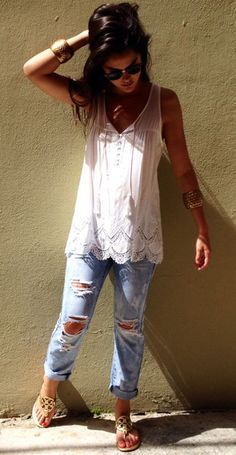 This tank is gorgeous! Love the flowy fit and the simplicity of it with just a touch of feminine lace! Perfect!