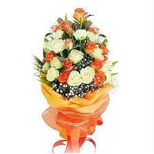Send Beautiful bouquet of white n orange roses flower Online Beautiful Roses Bouquet, Rose Bouquet, Orange Roses, White Roses, Bouquet Images, In Her Eyes, Colorful Roses, Send Flowers, Jaipur