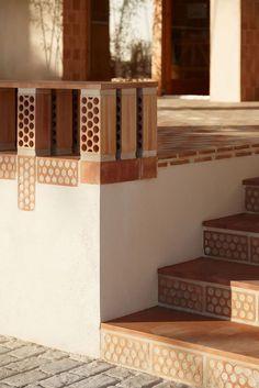 Tuscan design – Mediterranean Home Decor Brick Architecture, Architecture Details, Interior Architecture, Exterior Design, Interior And Exterior, Brick Interior, Brick Detail, Mediterranean Home Decor, Brick Patterns