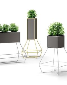 Halful, the new vases made by recycled plastic - At iSaloni the new collection designed by JoeVelluto for PLUST