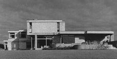 germanpostwarmodern:  House Fraling (1970) in Nordwalde, Germany, by Harald Deilmann. Image taken fromhttp://www.nrw-architekturdatenbank.tu-dortmund.de