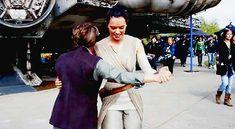 "alyciadebnumcarey: "" Daisy Ridley, John Boyega, Oscar Isaac, and Carrie Fisher dancing on the set of Star Wars: The Force Awakens """
