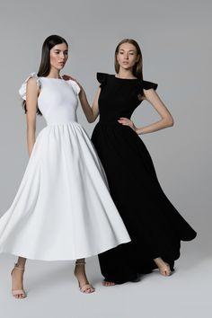Платье «Кэнди» миди белое— 26990 рублей, Платье «Кэнди» макси черное— 21990 рублей