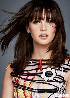 Felicity Jones, Glamour, January 2017. Lob haircut.