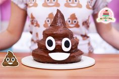 POOP EMOJI CAKE | MY LITTLE CAKES Hi guys! My name is Gris and I make videos mostly in spanish but these are my videos in english, hope you like them ... source