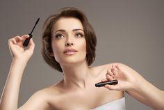 Создать красивый макияж несложно, если следовать «приемам выразительности» от профессионалов. Какие лайфхаки используют в своей работе стилисты и визажисты?