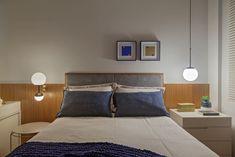 Para ambientes residenciais sempre utilizamos tonalidades um pouco mais quentes, geralmente temperatura de 2700k a 3000k. Além da iluminação geral do teto, arandelas e abajures podem fazer toda a diferença para criar uma atmosfera aconchegante, pois possuem uma luz mais indireta, além de serem esteticamente mais charmosos.