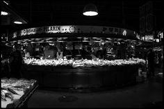 market, mercado, fish, peces, B&N, ByN, digital, Barcelona, people, gente, La boqueria, Spain, Catalonia, still life, bodegon, /https://letsgetlostlet.wordpress.com/2015/12/03/still-life/