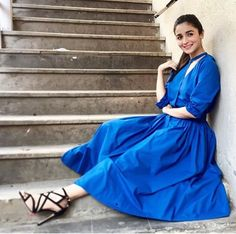 Alia Bhatt Promotes Badrinath Ki Dulhania in Jaipur and Later In She Is Spotted In Meheboob Studios Bollywood Celebrities, Bollywood Fashion, Alia Bhatt Photoshoot, Aalia Bhatt, Alia Bhatt Cute, Glamour World, Alia And Varun, Beautiful Bollywood Actress, One Piece Dress