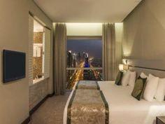 Hoteluri recomandate din Insula The Palm Jumeirah - Dubai Kempinski Hotel, Palm Jumeirah, Plaza Hotel, Dubai, Curtains, Bed, Furniture, Home Decor, Blinds