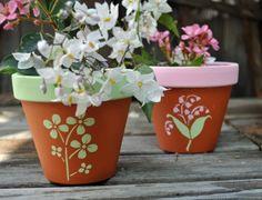 Blumentöpfe bemalen originelle Idee Haus Garten selber machen