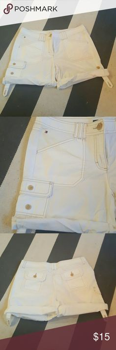Tommy Hilfiger 6 rolled hem white shorts size 6 never worn no rips tears or stains Tommy Hilfiger Shorts