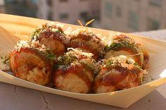 takoyaki Takoyaki, Vegetarian Options, Good Enough To Eat, I Want To Eat, Junk Food, Japanese Food, Love Food, Yummy Treats, Baked Potato