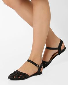 Pointy-Toe Flat Shoes