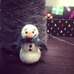 #happy #snowman #needlefelting #felted #etsy #etsyseller #etsyshop #christmas #wool #ornament #decoration