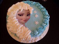 Elsa frosting braid cake. Frozen party ideas.  Elsa braid cake.  Plait.  Frosting Braid.