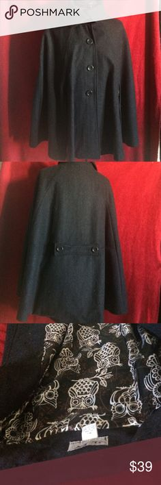 SALE🌹Steve Madden Wool Cape 🌹 Steve Madden charcoal grey wool blend cape, lined with whimsical black and white owls in polyester. Perfect cover up for fall/winter and look super stylish. Pair it with tall boots and skinnies and you are good to go. Length is 29 at its longest. Steven by Steve Madden Jackets & Coats Capes