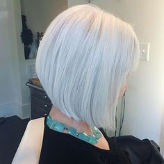 In love with her hair #beutifulhair #bobhaircut #bob #haircut #hair #bobcut #angledbob #whitehair #whitehaired #boblife