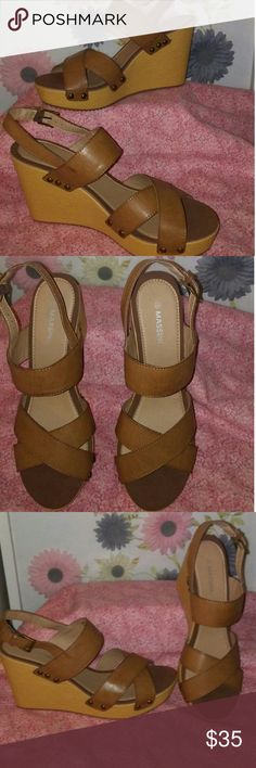 Massini Brown Sandal Wedges NEW never worn Perfect condition Massini Shoes Wedges