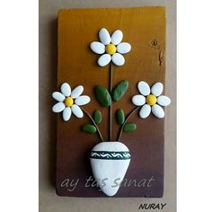 There are Beautiful Pebble Art Ideas. Stone Crafts, Rock Crafts, Diy And Crafts, Arts And Crafts, Art Crafts, Pebble Painting, Pebble Art, Stone Painting, Rock Flowers
