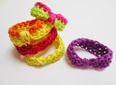 E Strea Chikitu: yarn leftover accessories Crochet!