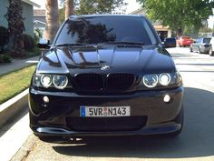BMW X5 detailed front view