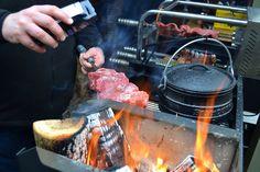 Afgelopen zaterdag waren we te gast op een braai bij Comfort Trade in Meppel, waar ook een aantal mensen uit de Duitse barbecuewereld aanwezig was. Een leuke mix van talen, culturen, smaken en invloeden. Bezoek voor mooie producten, informatie en recepten onze website: www.onsgaanbraai.nl of  volg ons op Facebook, Twitter en Instagram (vindbaar als: onsgaanbraai). #braai #onsgaanbraai #bbq #barbecue #homefires