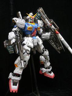 PG 1/60 Gundam Mk-II  Modeled by Terry Wong