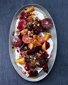 Blood orange and beet salad with yogurt Salade d'orange sanguine et betterave au yaourt Beet Recipes, Salad Recipes, Vegetarian Recipes, Healthy Recipes, Pumpkin Recipes, Easy Holiday Recipes, Thanksgiving Recipes, Thanksgiving Sides, Thanksgiving Countdown