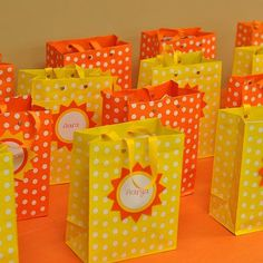 Goodie bags for a sunshine themed party :)