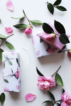 Best of Printables | Camelias + Gingham Wrapping Paper