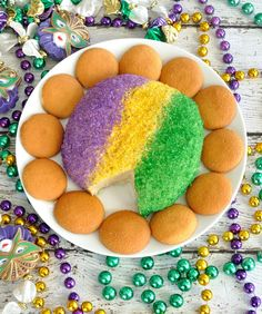 Festive King Cake Cheese Ball has the flavor and colors of a King Cake, but in an easy to make cheese ball. Great dessert to celebrate Mardi Gras! Mardi Gras Party, Mardi Gras Food, Mardi Gras Wreath, Mardi Gras Beads, Mardi Gras Centerpieces, Mardi Gras Decorations, Mardi Gras Outfits, Mardi Gras Costumes, Mardi Gras Appetizers