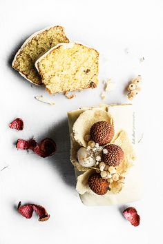 ... coconut and lychees cake with white chocolate frosting ...