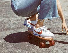 Nike Classic Cortez Leather SE Zapatillas - Niño/a Nike Classic Cortez Leder SE Sneakers - Kid Aesthetic Vintage, Aesthetic Photo, Aesthetic Pictures, 80s Aesthetic, Aesthetic Fashion, Mode Vintage, Retro Vintage, Vintage Vibes, Zapatillas Nike Cortez