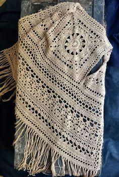 """Gilet all'uncinetto 🤩 """"Solare"""" di : 90 m, puro cotone Egitto Makò Fringed crochet vest 🤩 """"Solare"""" by : 90 m, pure Egyptian Makò cotton Gilet Crochet, Crochet Shirt, Crochet Jacket, Thread Crochet, Crochet Cardigan, Crochet Scarves, Crochet Motif, Crochet Clothes, Crochet Stitches"""